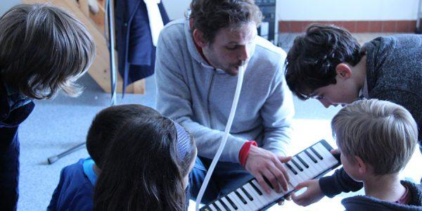 Atelier avec Zik Hope – école R.Descartes SUCE SUR ERDRE